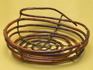 渦巻き状の籠